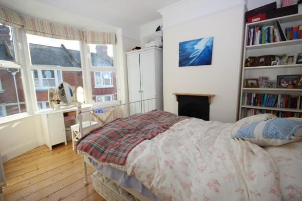 Double bedroom to rent from mid March Main Photo