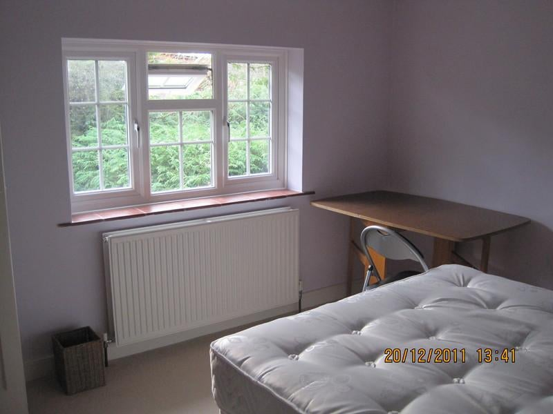 Large Rooms Near Reading, Awe, Newbury,Basingstoke Main Photo