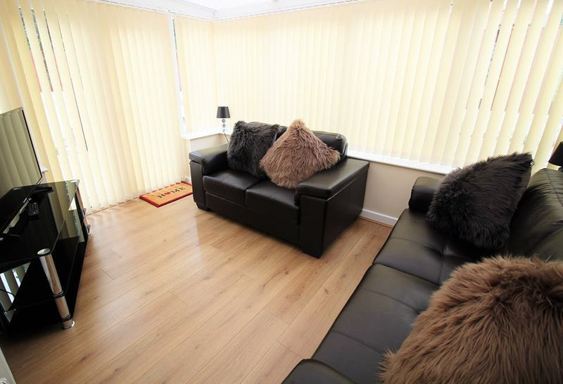 En-Suite rooms available now in Mexborough!! Main Photo