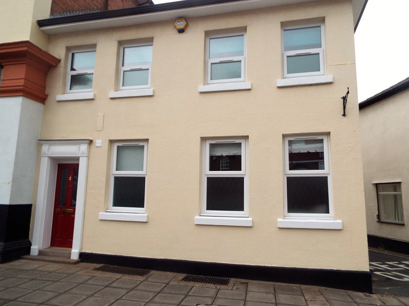 Double Rooms in Town Centre Main Photo