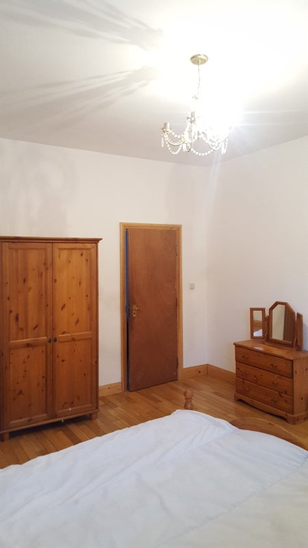 Large double room to rent Main Photo