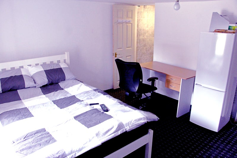 All-Inclusive Rooms for Students/ professionals  Main Photo