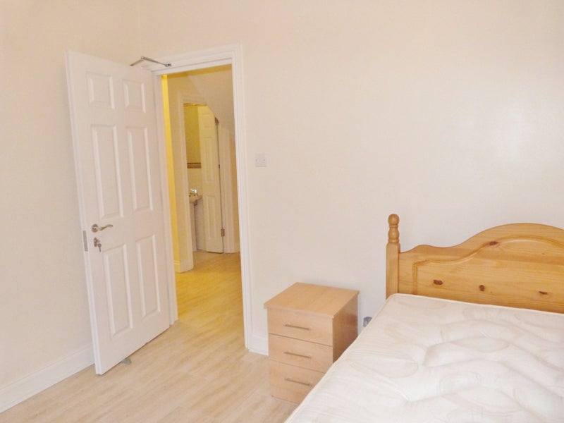 Very Nice  Double Room for One Person in Croydon Main Photo