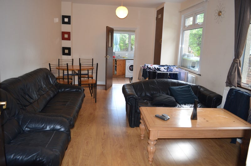 Double Room House - All Bills Included Main Photo