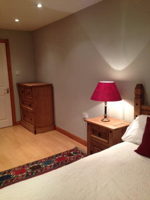 Lovely double room to rent. Main Photo