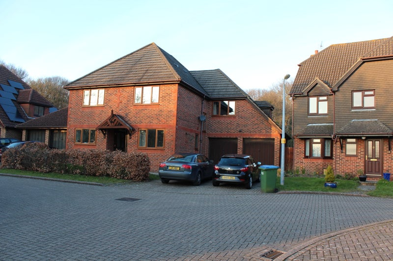 Large detached five bed house close to Whiteley Main Photo