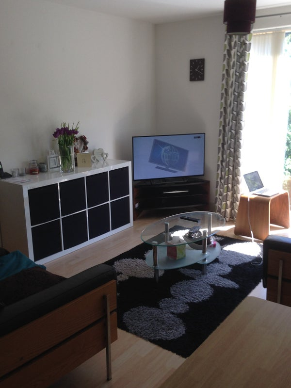 Double room in a fantastic 2 bed flat Main Photo