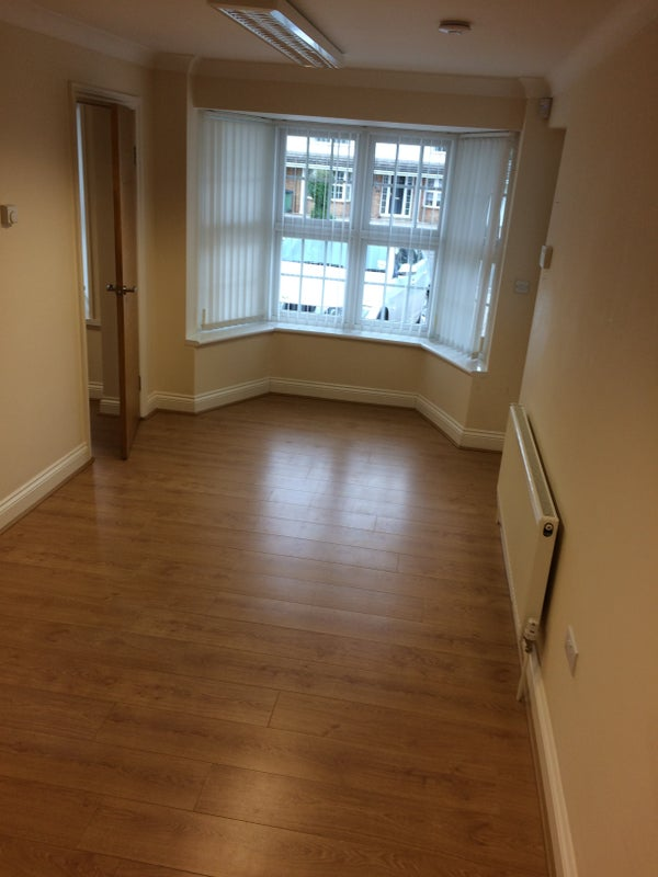 1 Bed Flat, Windsor (Bills Included) Main Photo