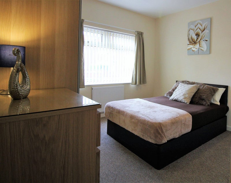 Quiet street in BALBY has rooms available! Main Photo