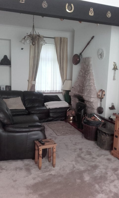 Two double bedrooms in friendly house Main Photo