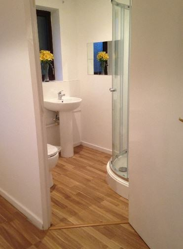 One En-Suite Nec Bhx Available Live Out Landlord Main Photo