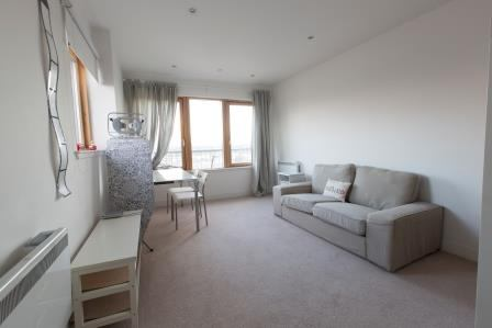 Modern 2 bed flat for rent Main Photo