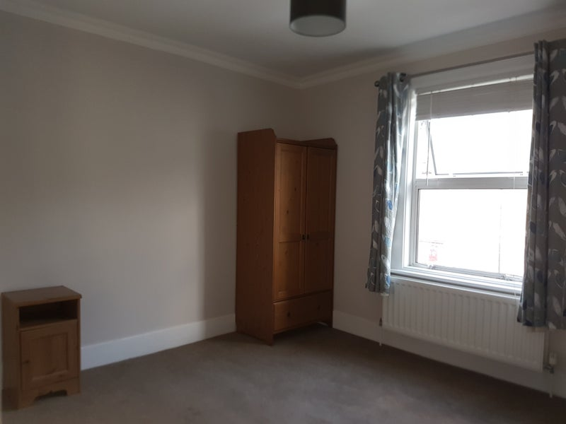 Double Room Close to Crayford Station Main Photo