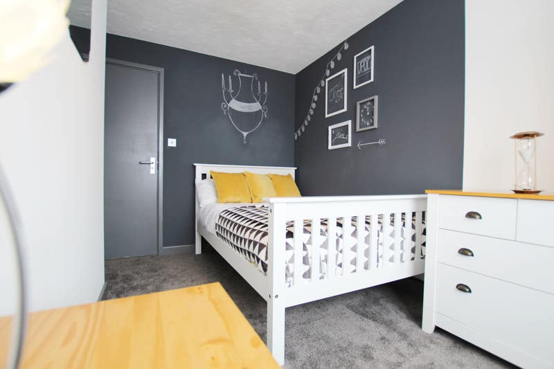 Fantastic Rooms in Swadlincote Main Photo