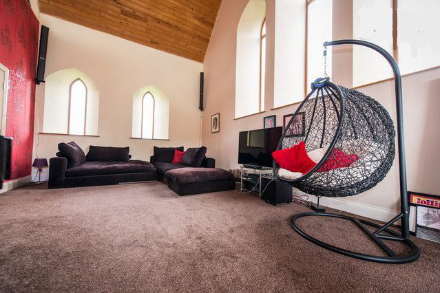 Stunning Converted Chapel - Happy Relaxed People Main Photo