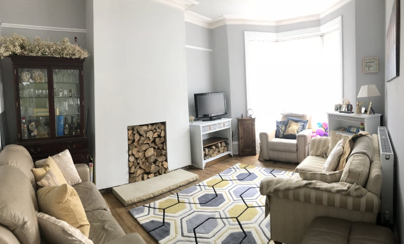 Double Room, in a refurbished home  Main Photo