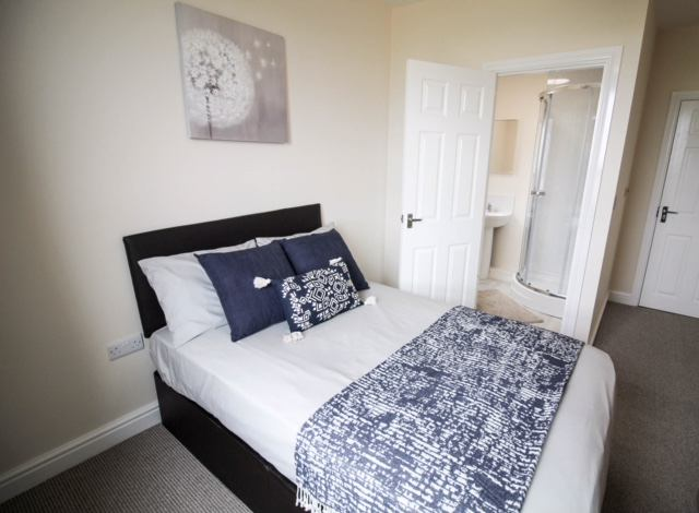 5 Bed En suite House ! Bentley Doncaster  Main Photo