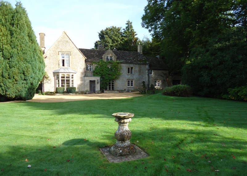 Great Rooms Excellent Value Country House Tetbury Main Photo