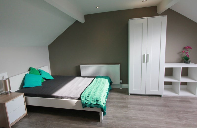 Newly refurbished Self contained studio apartment. Main Photo