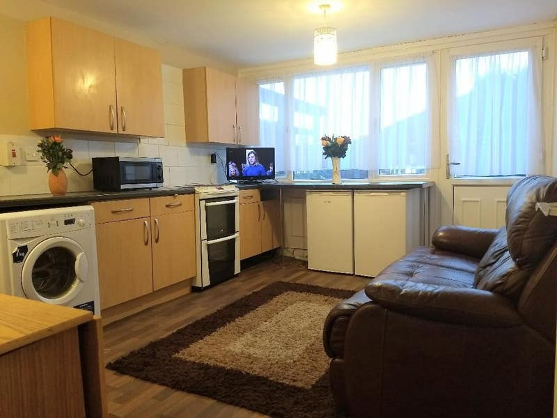 "Room Available in a ""Quiet"" Shared House, Runcorn Main Photo"