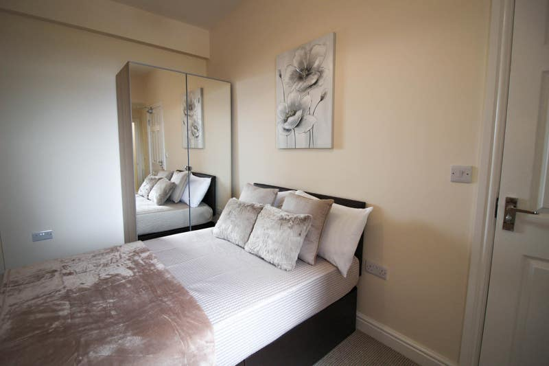 Close to Manvers and Goldthorpe - Rooms Available Main Photo