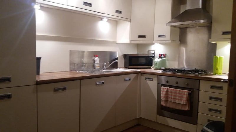 Double room in a Modern Flat with Free Parking Main Photo