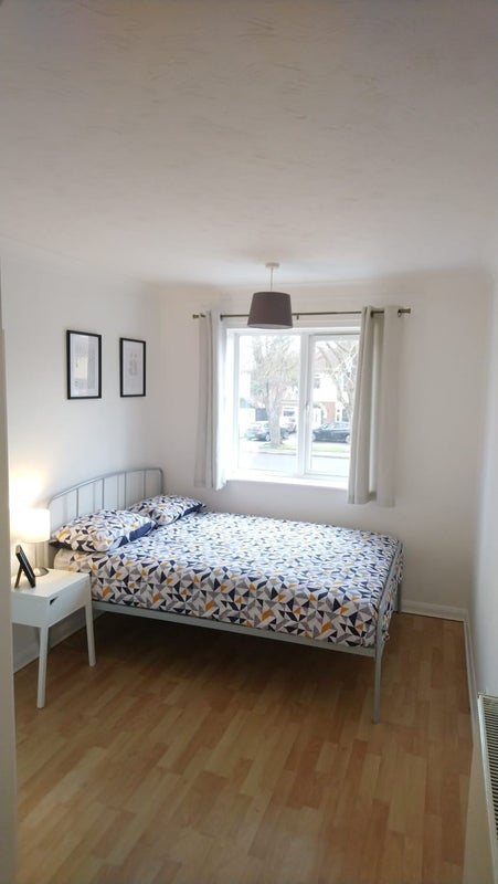Choice of Rooms to Rent in Shared House Main Photo