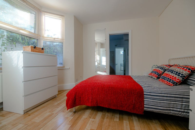 Lovely Studio Flat Available in Turnpike Lane, N8 Main Photo