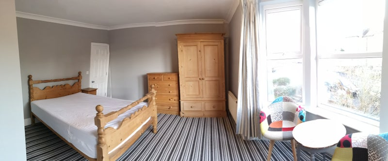 Beautiful Large rooms in Cowes Main Photo