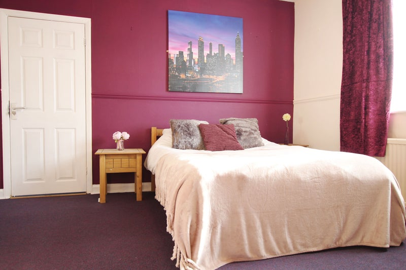 Furnished Rooms Close to Rolls Royce Main Photo
