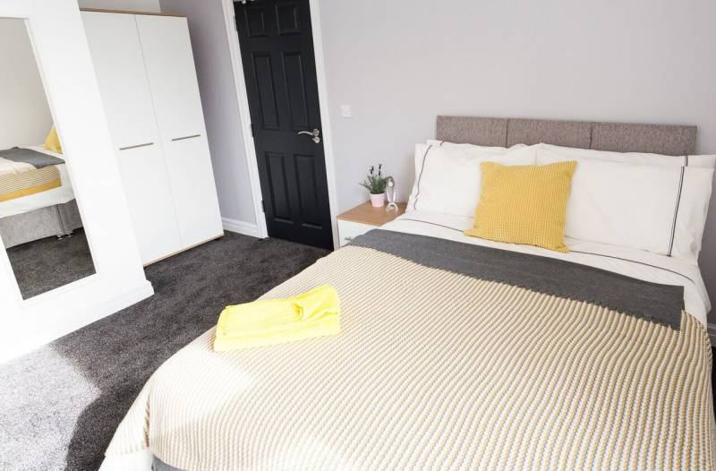 Ensuite double rooms in newly refurbished  Main Photo