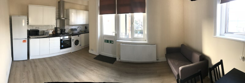 1 double room to rent Main Photo