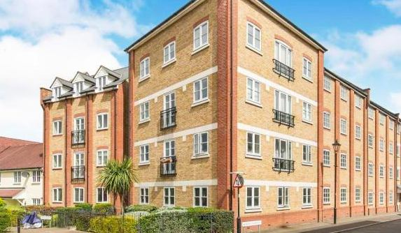 3 bed luxury student apartment 15mins from uni Main Photo