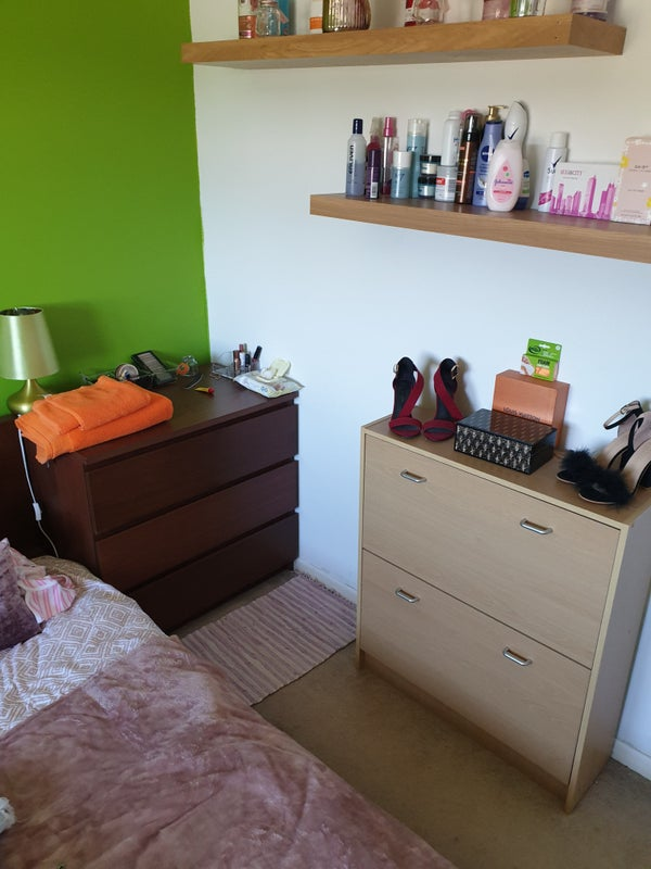 Higham Ferrers. Large Double Room Available  Main Photo