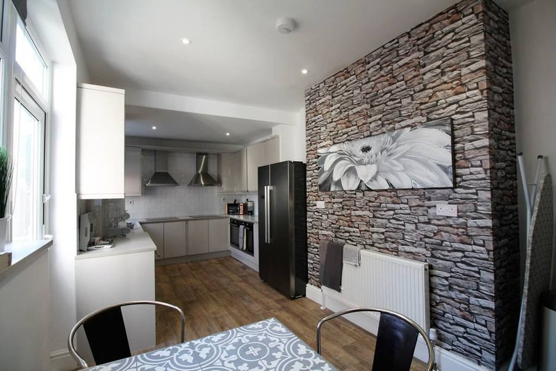 Stylish Ensuite Rooms in Town Centre Main Photo