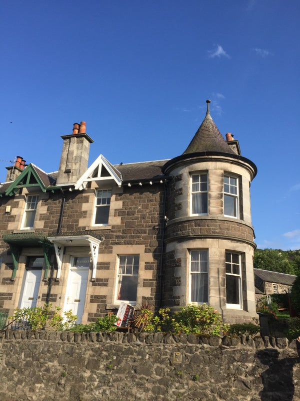 Stunning Victorian House Next to the River Tay. Main Photo