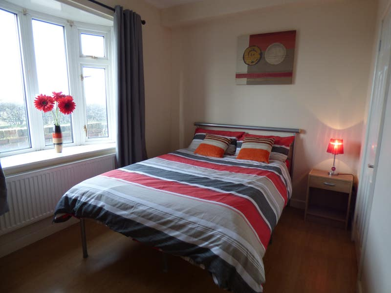 Great Rooms in Staveley!! Main Photo