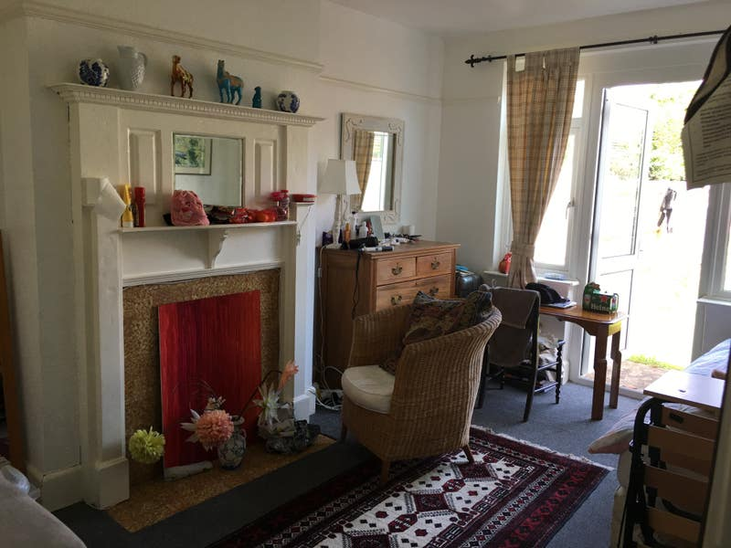 Large bright room in family house Hove  Main Photo