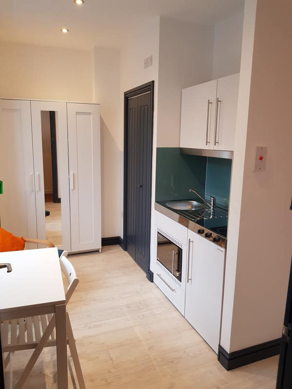No Sharing Just £450pcm Your Own Kitchen/Ensuite Main Photo