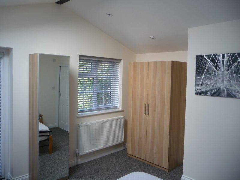 Very spacious double ensuite room available Main Photo