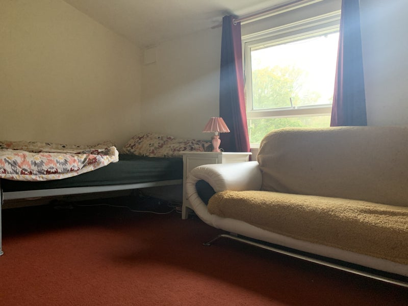 Have Lovely Double Room in Luxury House    Main Photo