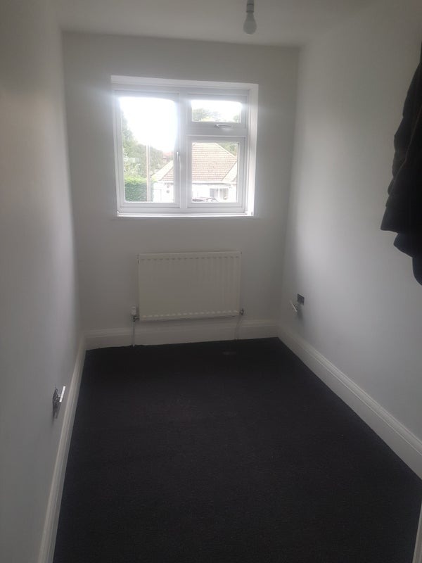 4 rooms to rent in a nice quite area Main Photo