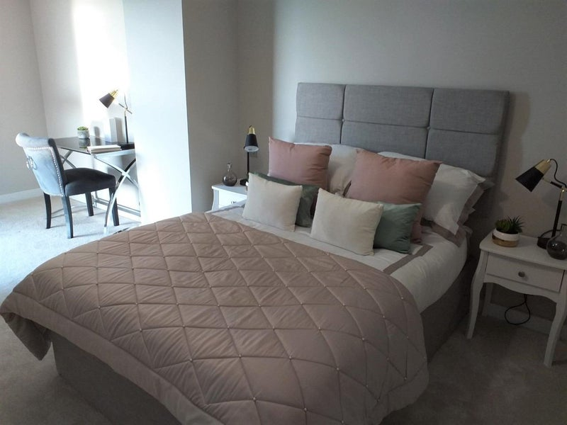 Large Double Room | New Apartment | Two Bathrooms Main Photo