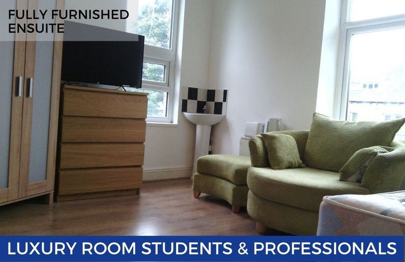 Spacious Modern Rooms for Professionals/Students Main Photo
