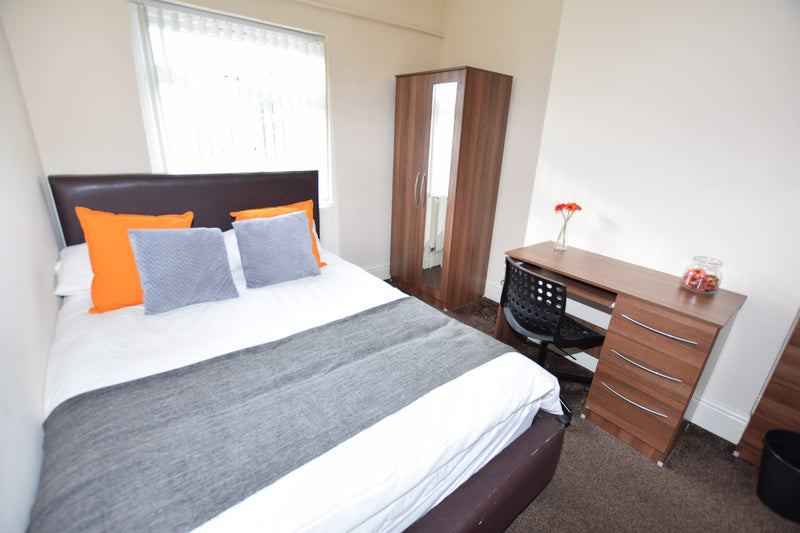 ** Modern En Suite Near Train St -No BiIls To Pay! Main Photo