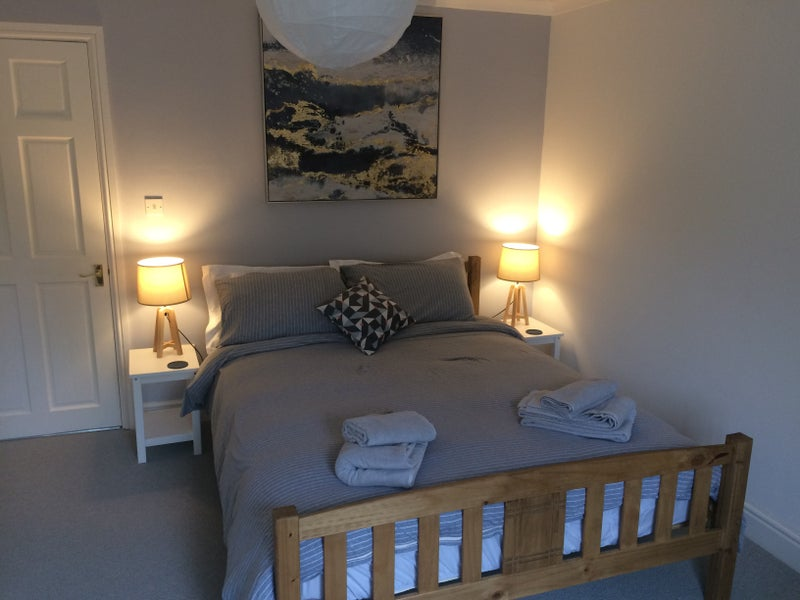 Quiet spacious double room in small hamlet Main Photo