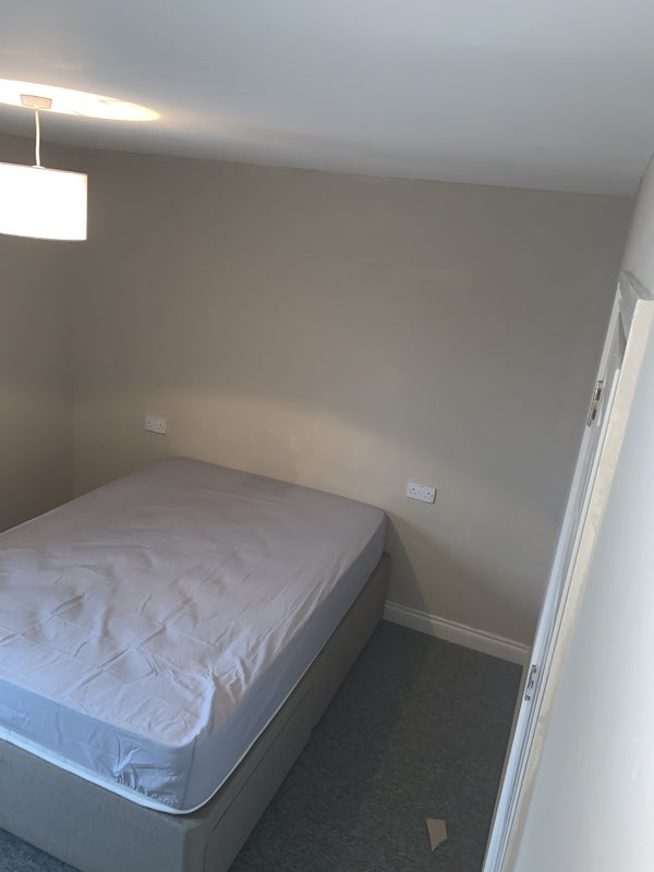 2 double rooms in house share.  Main Photo