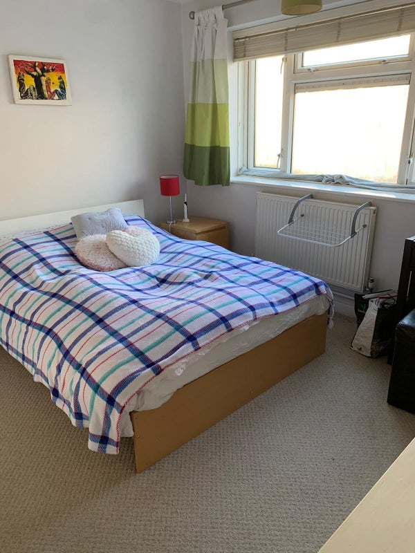 Large Double Room in Friendly Flatshare Main Photo