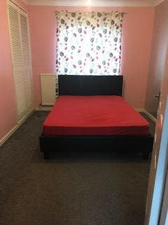 Double Room to Let in a Quiet and Clean House Main Photo