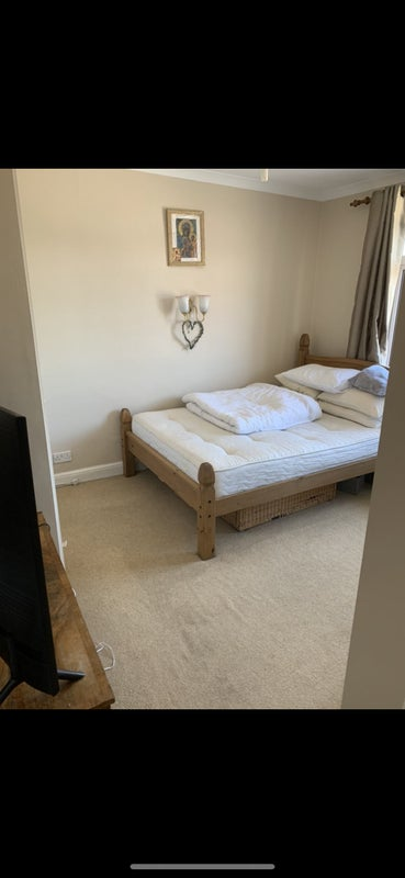 Hello I Have a Big Room in Marlow for Rent Main Photo